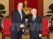Le Secrétaire général Nguyen Phu Trong reçoit le PM David Cameron