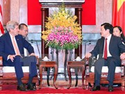 Le président Truong Tan Sang reçoit le secrétaire d'Etat américain John Kerry