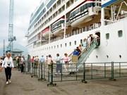 Le port de Chân Mây accueille plus de 4.000 croisiéristes étrangers