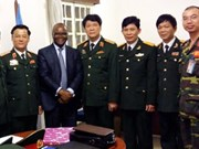 Des militaires vietnamiens visitent la Mission de l'ONU en République centrafricaine