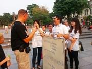 Des guides touristiques volontaires à Hanoi
