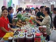 Hô Chi Minh-Ville : foire des produits vietnamiens bio