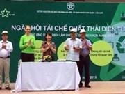 Le ramassage des déchets électroniques à Hanoi