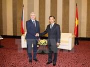 Le président du Sénat tchèque Milan Stech visite la ville de Da Nang