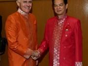 Le PM Nguyên Tan Dung rencontre son homologue australien