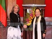 Entretien entre les vice-présidentes vietnamienne et bulgare
