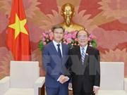 Le Vietnam attache une grande importance à ses relations avec le Laos