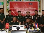 Le Vietnam aide le Laos dans la formation en topographie militaire