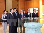 Le président de la Chambre des conseillers du Japon achève sa visite au Vietnam