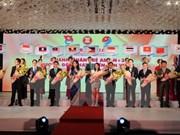 Remise de prix aux jeunes entrepreneurs de l'ASEAN+3