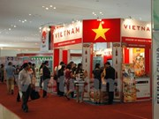 Des produits vietnamiens présentés à l'exposition de l'import-export au Cambodge
