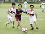 La Norvège aide Thua Thien-Hue dans le développement des clubs de football