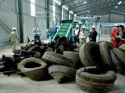 Une usine de briques de caoutchouc de pneus d'automobiles voit le jour au Vietnam