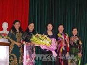 La présidente de l'AN rencontre des femmes dirigeantes de Ben Tre