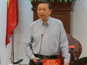 Le PM cambodgien Hun Sen reçoit le ministre de la Sécurité publique Tô Lâm