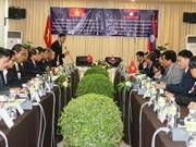 Hô Chi Minh-Ville et Champassak s'engagent à renforcer leurs relations
