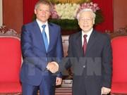 Le PM roumain reçu par les chefs du Parti et de l'Etat vietnamiens
