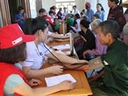 Consultations médicales gratuites en faveur des personnes démunies à Ha Tinh
