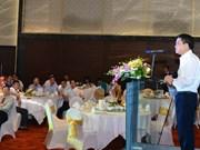 Hanoï : rencontre avec les chefs d'organes de représentation du Vietnam à l'étranger