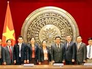 Vietnam et Laos partagent d'expériences dans la gestion des conseils populaires