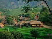 Le Vietnam reçoit des prix d'excellence en matière de tourisme de l'ASEAN
