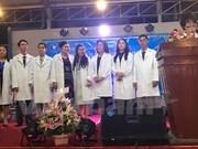 Célébration de la Journée des médecins vietnamiens au Cambodge et en Russie