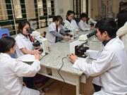 Plusieurs Vietnamiens partent travailler à l'étranger