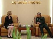 Le général Nguyen Chi Vinh reçoit l'ambassadrice néo-zélandaise