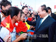 Le PM Nguyen Xuan Phuc commence sa visite officielle au Laos