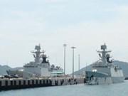 Deux navires de la Marine chinoise au port de Ho Chi Minh-Ville