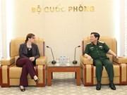 Le ministre vietnamien de la Défense reçoit l'ambassadrice israélienne