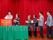 Typhon Doksuri : la communauté vietnamienne au Laos aux côtés des sinistrés du Centre