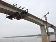 Nam Dinh : Mise en chantier du pont Thinh Long