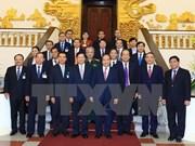 Le Premier ministre laotien Thougloun Sisoulith en visite au Vietnam