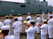 Deux navires de la Marine royale australienne aux Philippines