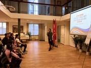 Ouverture de la première classe de langue vietnamienne aux Pays-Bas