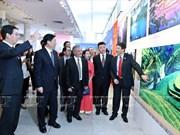 """Ouverture de l'exposition de photos """"Beau Vietnam-Belle Chine"""""""