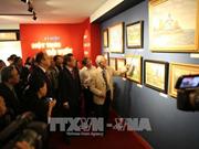 Un peintre vietnamien expose ses tableaux sur la période soviétique
