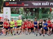 Plus de 5.000 coureurs au marathon international Techcombank de HCM-Ville