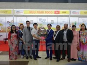 Des produits sucrés vietnamiens présentés à la FoodPro 2017 à Bangladesh