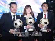 Football : Dinh Thanh Trung remporte le Ballon d'Or du Vietnam 2017