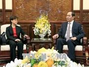 Le président Tran Dai Quang reçoit l'ambassadrice de Singapour au Vietnam