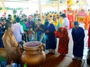 Des milliers de personnes au festival Nghinh Ong à Bac Lieu