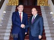 Le PM Nguyen Xuan Phuc reçoit le ministre coordinateur des affaires maritimes de l'Indonésie