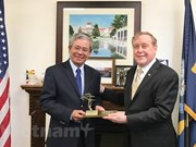 L'ambassadeur vietnamien aux Etats-Unis visite l'US Naval Postgraduate School