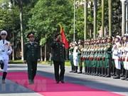 Promouvoir la coopération Vietnam – Laos dans la défense