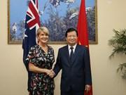 Le vice-PM vietnamien Trinh Dinh Dung reçoit la ministre australienne des AE