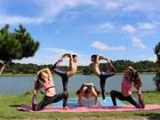La Journée internationale du yoga célébrée à Hanoi