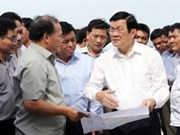 Le président se rend dans la province de Khanh Hoa