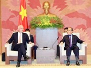 Le président Nguyen Sinh Hung reçoit le représentant en chef de la délégation de l'UE